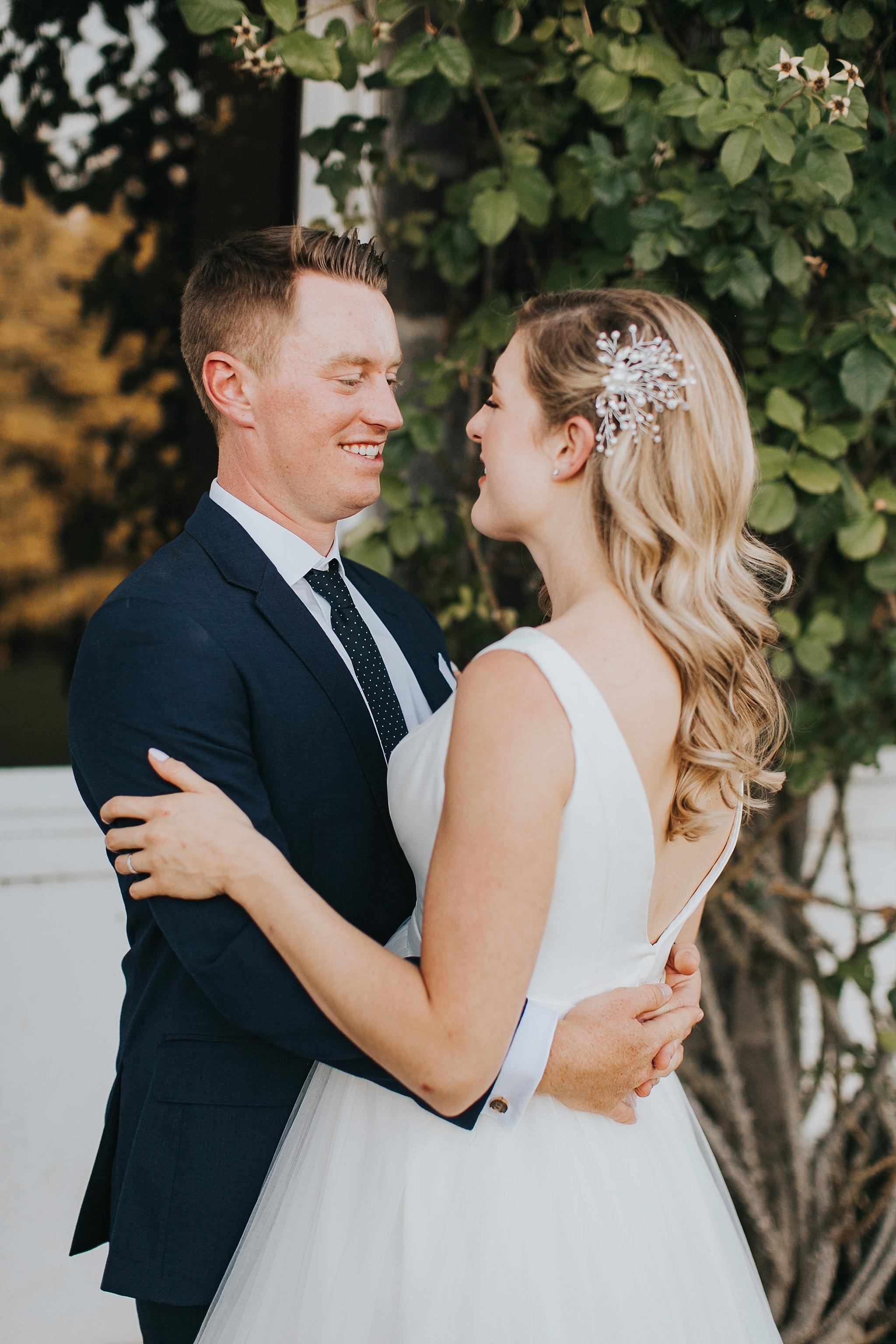 oregon golf club bride and groom